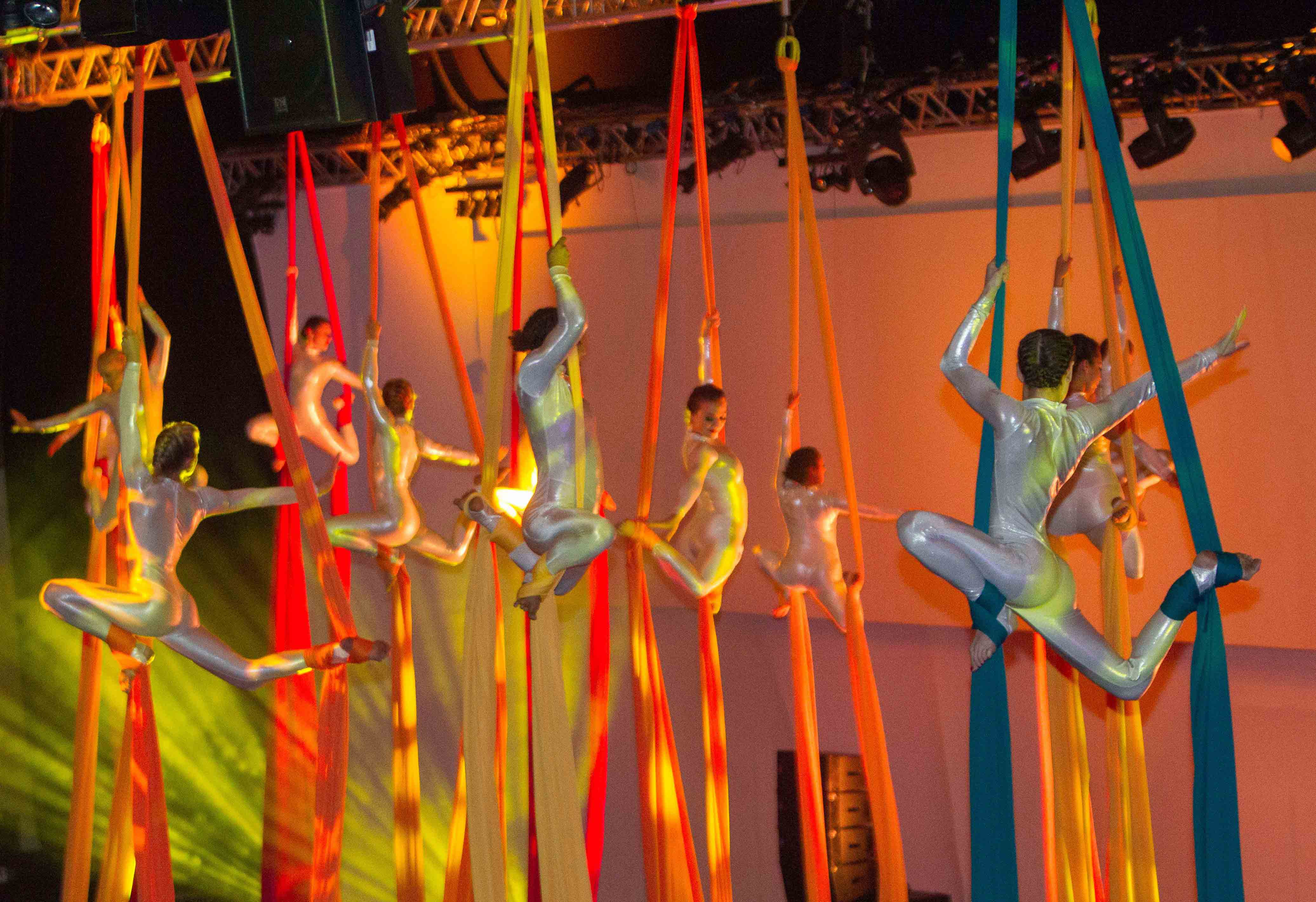 Aerial silks group GWR Lo Res 00094_PHT_150624_Mace25YrCeleb_InPress_DT_073